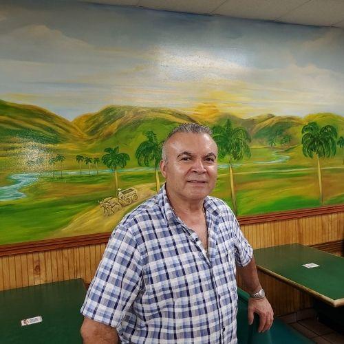 Raúl manager I´m Latín Café